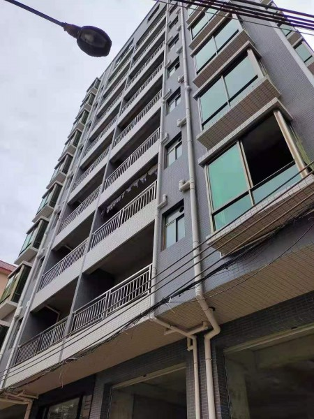 长安沙头3栋小区《滨海名苑》130套毛坯现房 马路第一排 单价低3480每平